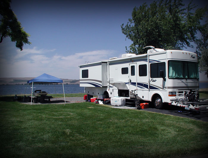 Boardman RV Camping, with the Columbia river in the background.