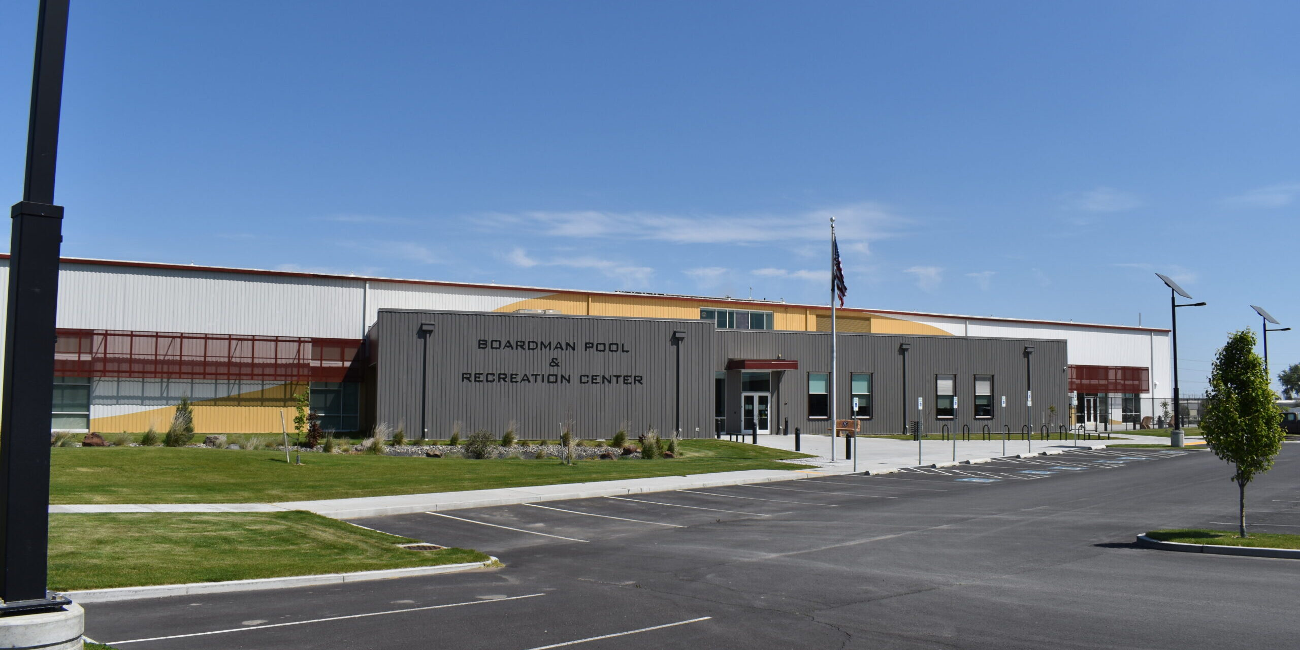 Boardman Pool & Recreational Center Building Exterior and parking lot.